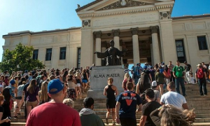 US and other foreign University students and professors arrive to Havana's University, on December 9, 2013. 600 University students, arrived Monday to Havana on board the